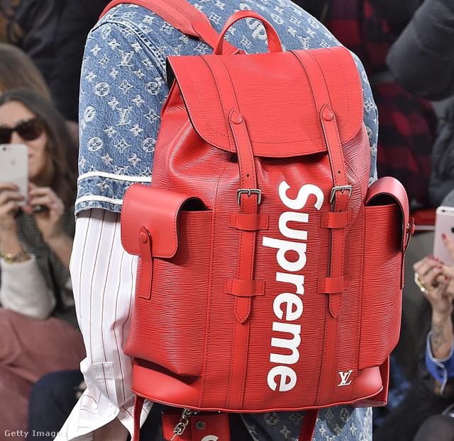 Louis Vuitton 2017-18 ősz-tél, férfi kollekció, plusz Louis Vuitton x Supreme: ezt a hátizsákot nem egy bloggeren viszont fogjuk látni.