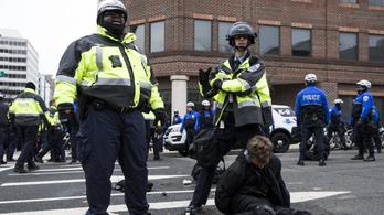 95 embert vettek őrizetbe Trump beiktatása után