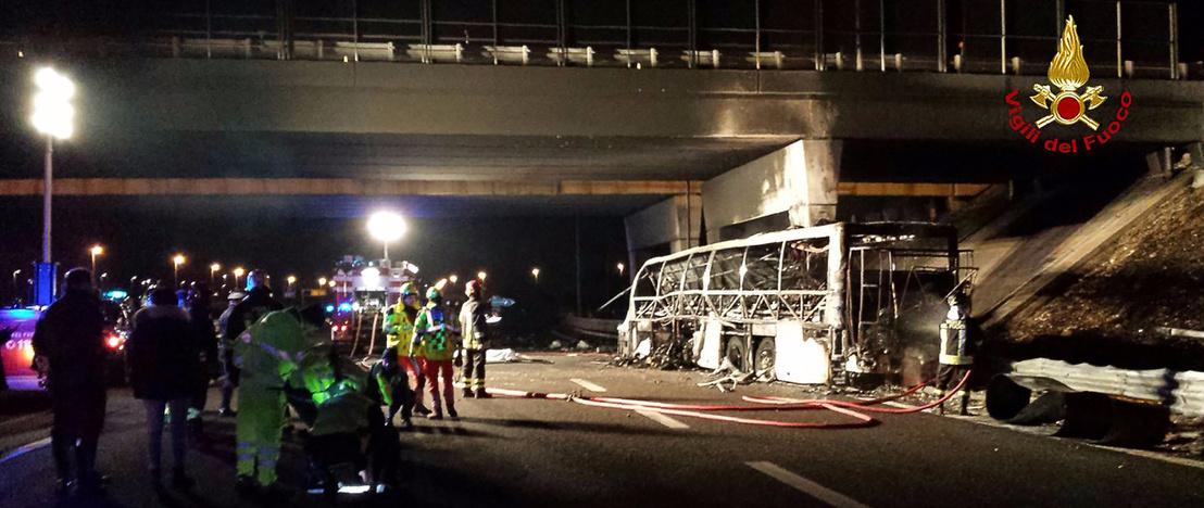 olaszországi buszbaleset