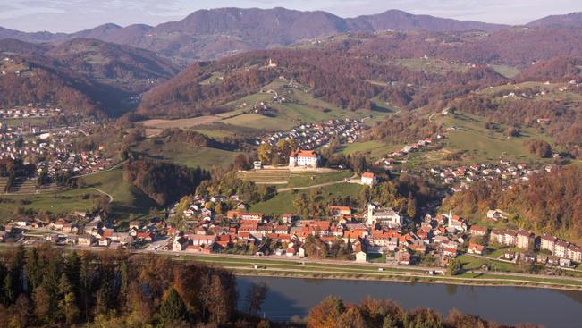 Elnöki burger és First Lady süti a szlovéniai Sevnica új attrakciói