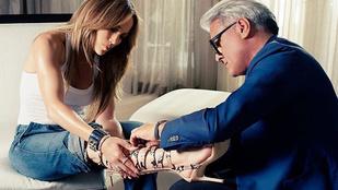 Jennifer Lopez újra divatba hozza az éktalpút