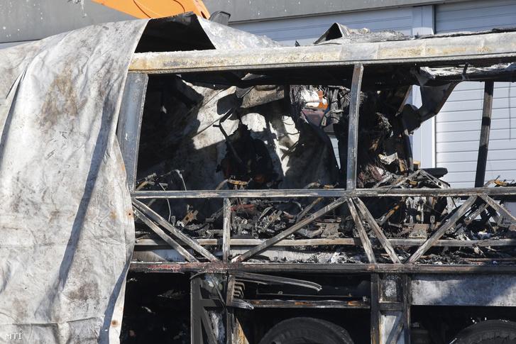 Decemberben esett át kötelező szervizen a leégett busz