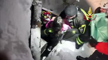 Még 8 holttestet találtak a lavinaomlás után