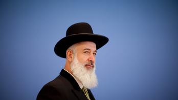 Csalásért és korrupcióért ítélték el a volt izraeli főrabbit