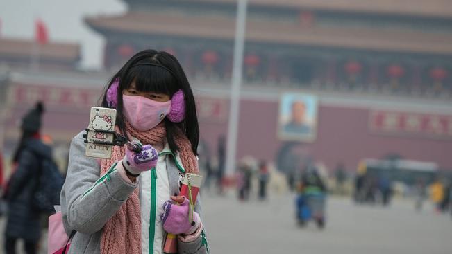 Betiltották a tűzijátékokat Pekingben a szmog miatt