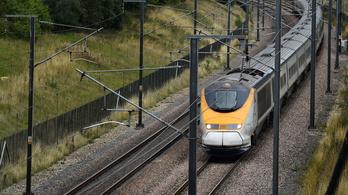 Ilyen szigorúan ellenőrzött vonatok Hrabalnál sem voltak
