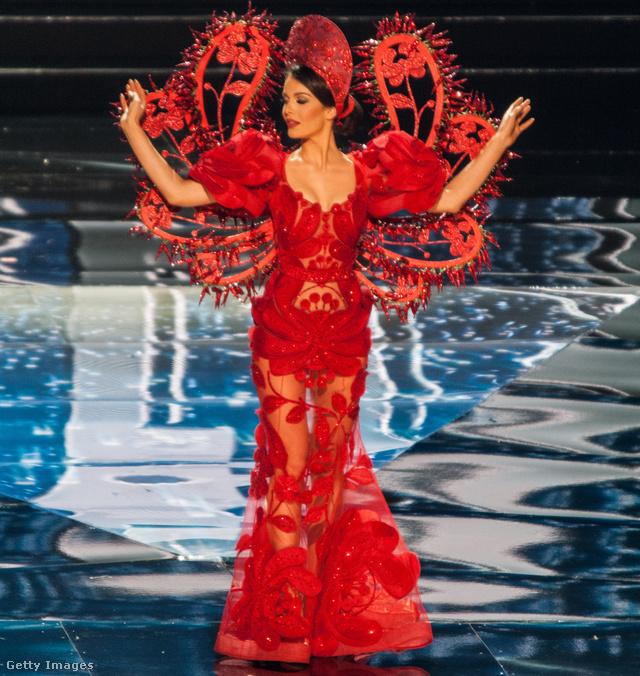 Miss Hungary és a már jól ismert csillámkalocsai álom.