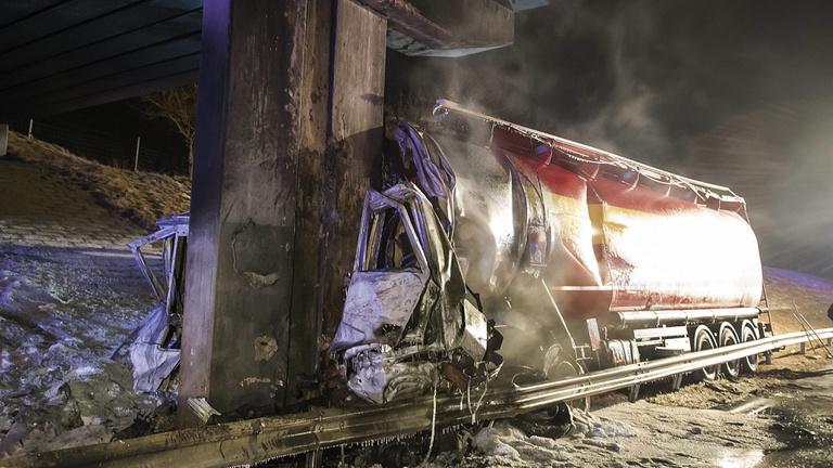 Teherautó lángolt az M1-es autópályán
