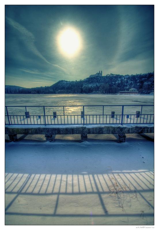 Ha ilyen szép a táj, télen is megéri túrázni Tihanyban, csak öltözzünk melegen