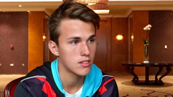 Bűvésztrükkel verte át az újságírót Piros Zsombor, az Australian Open győztese