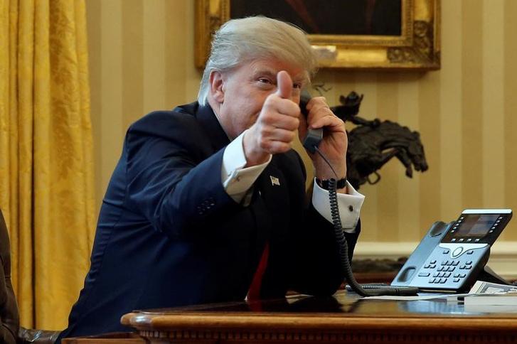 Donald Trump az Ovális Irodában