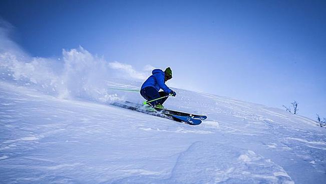 Snowboardozni veszélyesebb, mint síelni