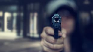 Felmentették a nőt, aki bérgyilkossal fenyegetett két borsodi rendőrt