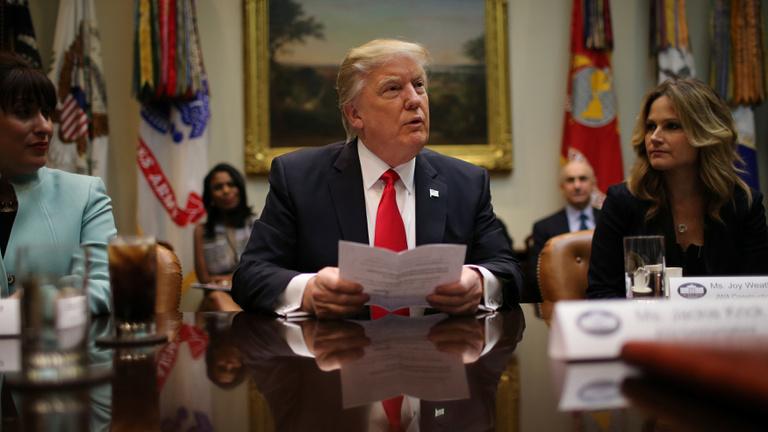 Trump megöli a fejlődést a világban