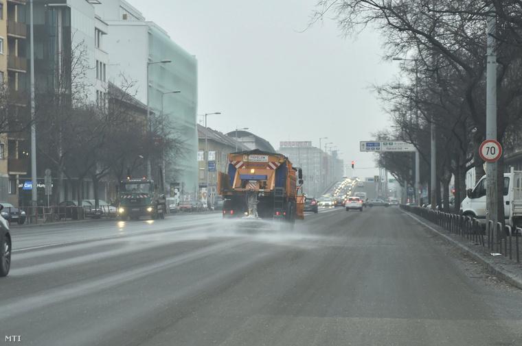 Nincs mit szépíteni a képen, amire ébredt február 1-én Budapest