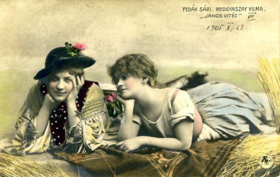 A János vitéz legendás premierjéhez készült képeslap Fedák Sárival és Medgyaszay Vilmával