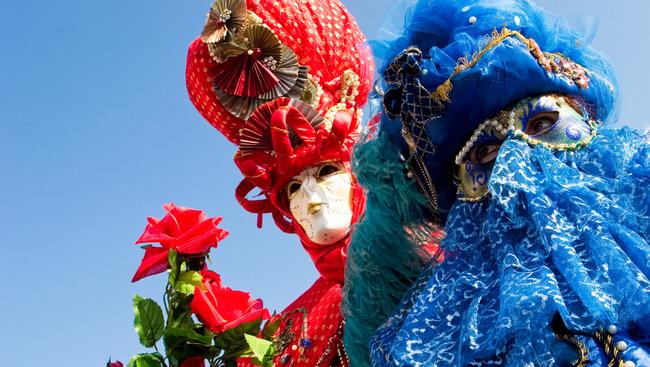 17 fotóval köszöntjük a 2017-es velencei karnevált!