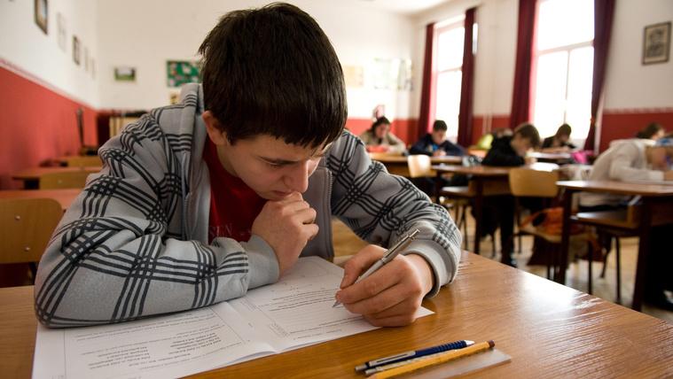A gimis felvételi mutatja meg az iskolarendszer csődjét