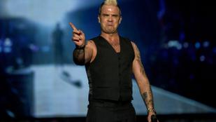 Robbie Williams állítja: péniszmérete csak egy optikai csalódás