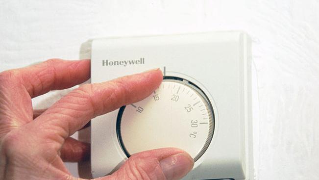 A hotelszobák tekerhető termosztátja csak placebo