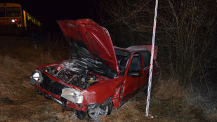 Egy 16 éves lány halt meg a kiskunfélegyházi vonatbalesetben