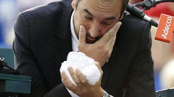 A főbíró szemét találta el a mérges kanadai teniszező