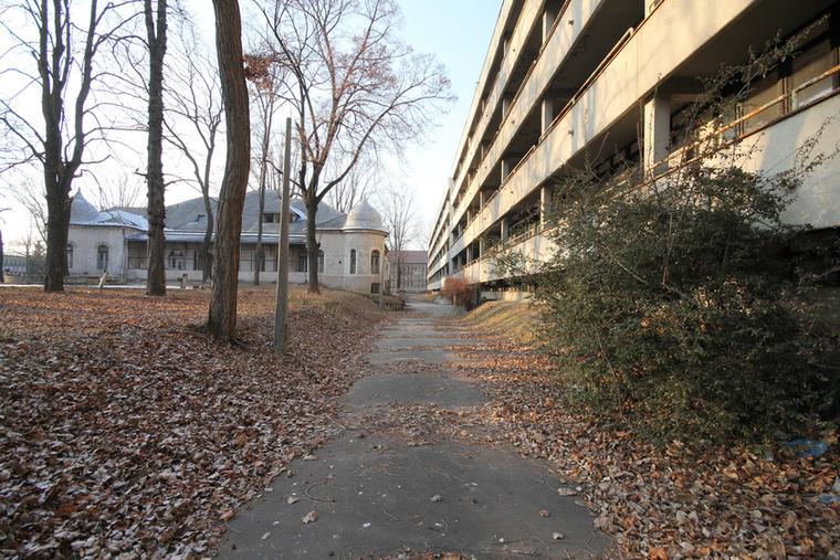 A századfordulón kezdték el építeni a Pestújhelyi kórházat a XV