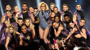 Lady Gaga tüzes-bugyis Super Bowl show-ja nem tériszonyosoknak való