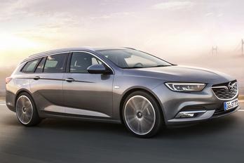 Itt a kombi Opel Insignia
