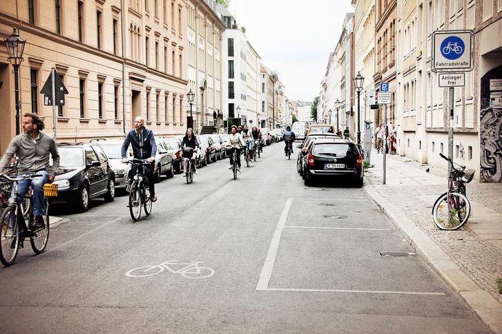 Kerékpáros utca Berlinben