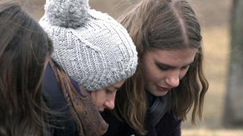 Gyertyagyújtással emlékeztek a veronai buszbaleset áldozataira