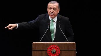 Gőzerővel folytatódik Erdogan tisztogatása