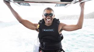 Obama továbbra is élvezi a nyaralást, ezúttal kite-szörföztek Richard Bransonnal