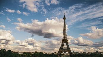 2,5 méter magas golyóálló üvegfalat húznak fel az Eiffel-torony köré