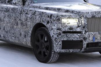 Kémfotókon a terep-Rolls-Royce