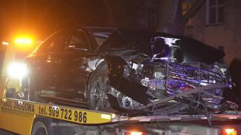 Autóbalesetet szenvedett a lengyel kormányfő