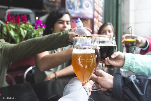 Társaságban esik a legjobban: sör