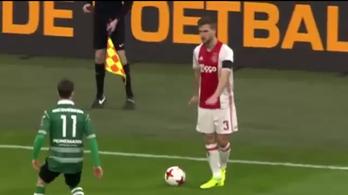 Okosnak gondolja a tapló húzását az Ajax-futballista