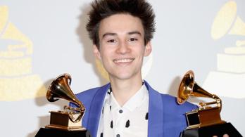 Két Grammyt is bezsebelt a jazz 22 éves Messiása