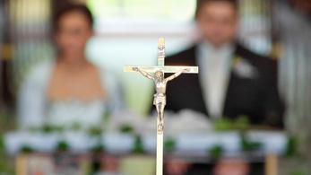 Húsz éve nem házasodtak ennyien Magyarországon