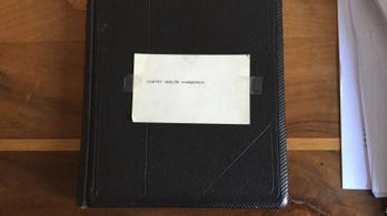 6,5 millióért kínálják Horthy vendégkönyvét
