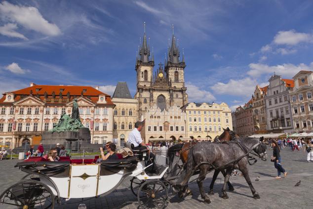 Prága, a száztornyú város, melynek történelmi központját az UNESCO 1992-ben a Világörökség részévé nyilvánította
