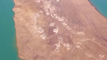 Elárasztott falu romjai tűntek elő egy víztározóból