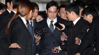 Letartóztatták a Samsung vezetőjét