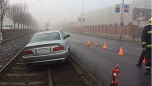Egy BMW-snek köszönheti, hogy nem tud az 1-es villamosra szállni