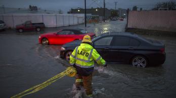 Évek óta a legnagyobb vihar pusztít Kaliforniában