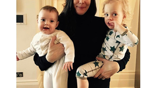 Liv Tyler tündéri családi fotója a tökéletesség határát súrolja