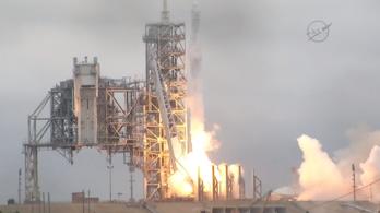 Második kísérletre sikeresen elstartolt a SpaceX rakétája