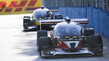 Összetört a vezető nélküli versenyautó