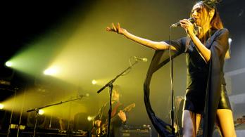 PJ Harvey is jön a Szigetre